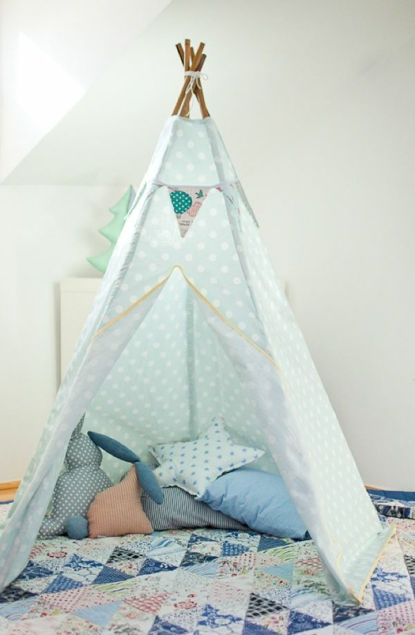 hellblaues zelt selber bauen zelt tipi n hen pinterest teepee kids house tent und kids. Black Bedroom Furniture Sets. Home Design Ideas