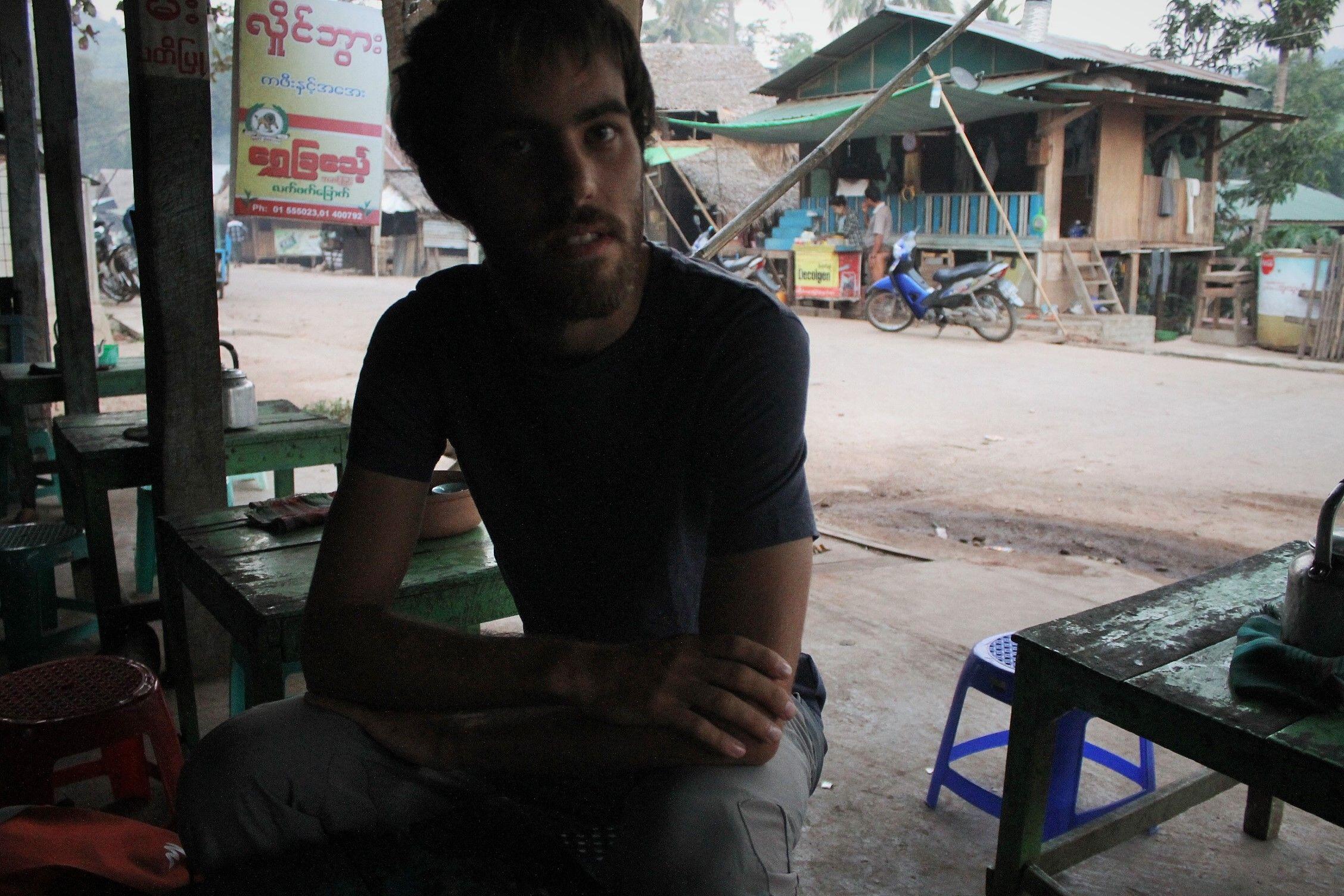 En una casa de té en Kinpun.Dani esa silla te va pequeña!