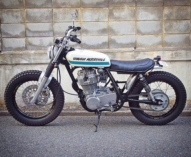 Yamaha SR400 by @wedge_motorcycle of Tokyo  Oh that fork