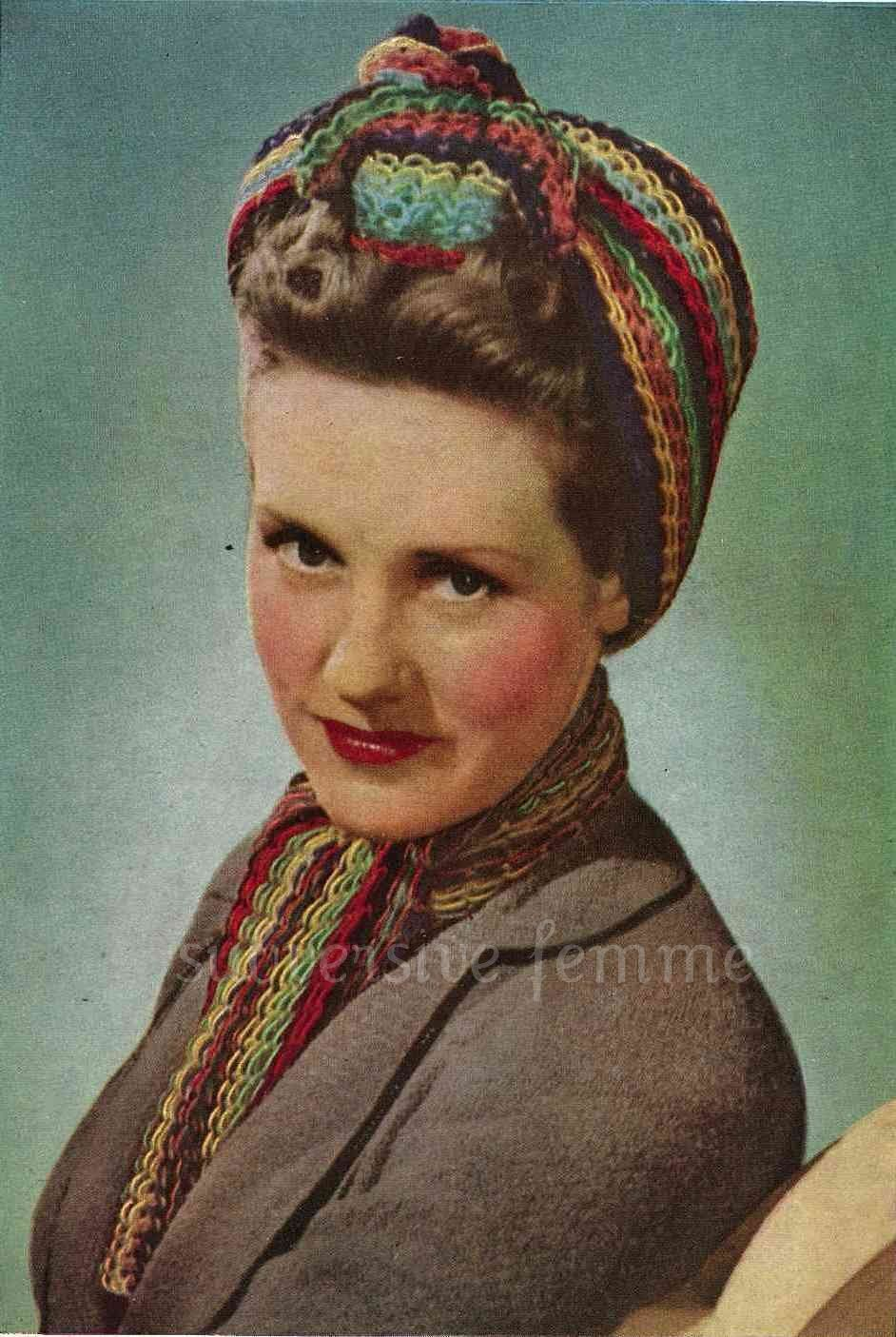 1940s War-era multi-coloured traingular head scarf and matching neck ...