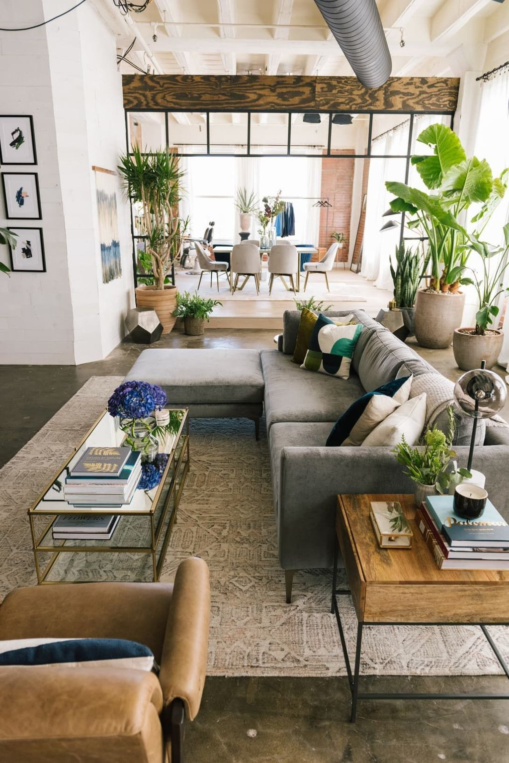 32 Stunning Loft Apartment Decorating Ideas You Should Try In 2020 Loft Apartment Decorating Industrial Apartment Decor Living Room Loft
