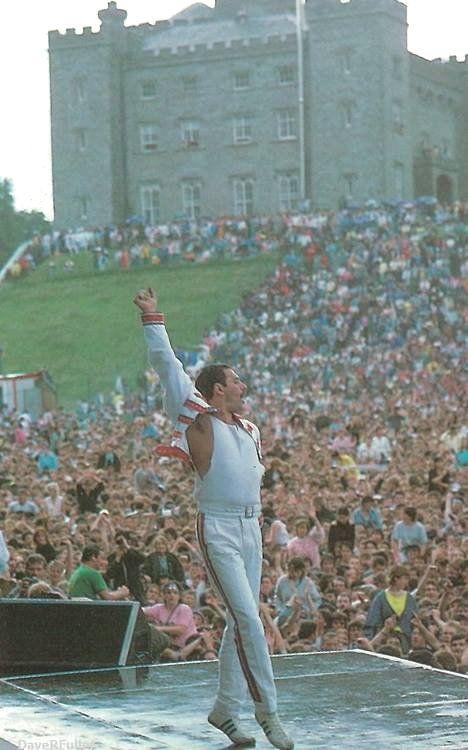 Freddie Mercury at Slane Castle, Ireland, 1986 #freddiemercury