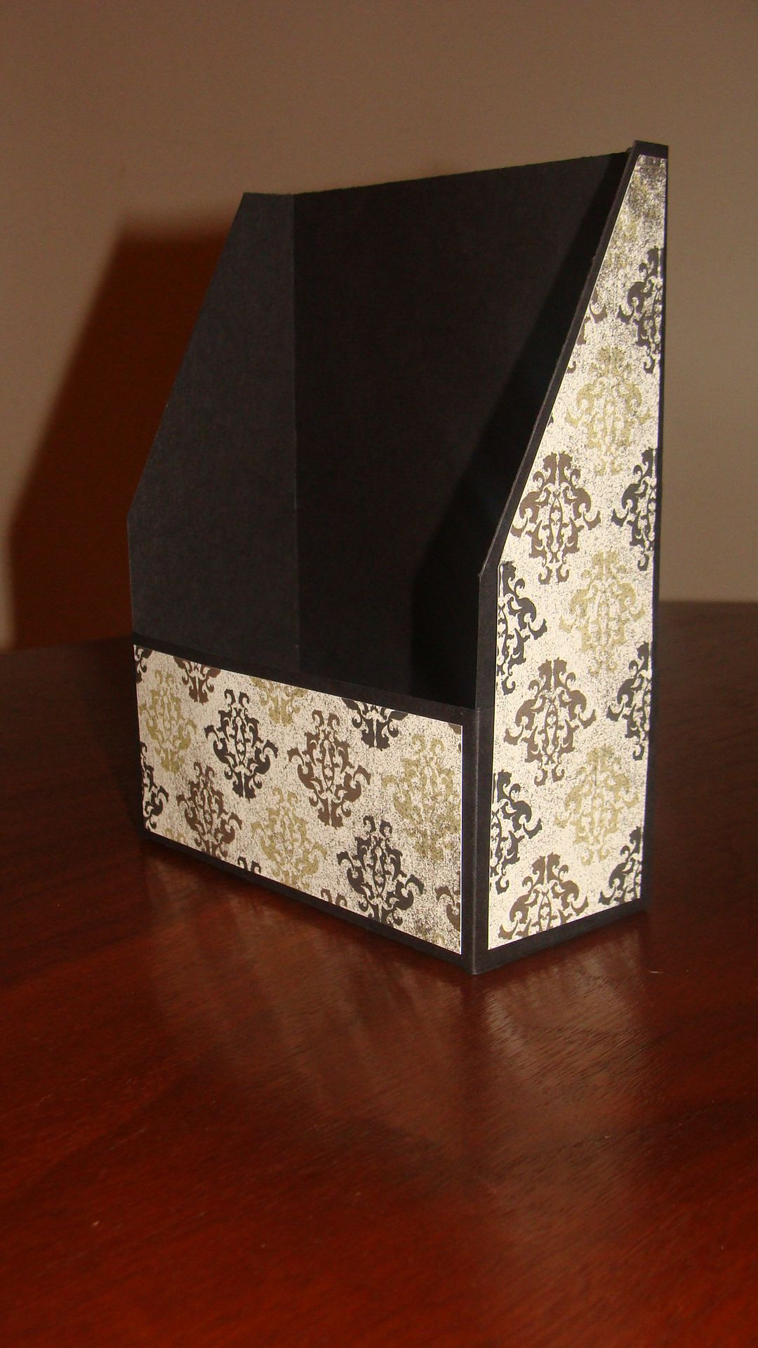 card box holds 8 handmade cards  cards handmade card box
