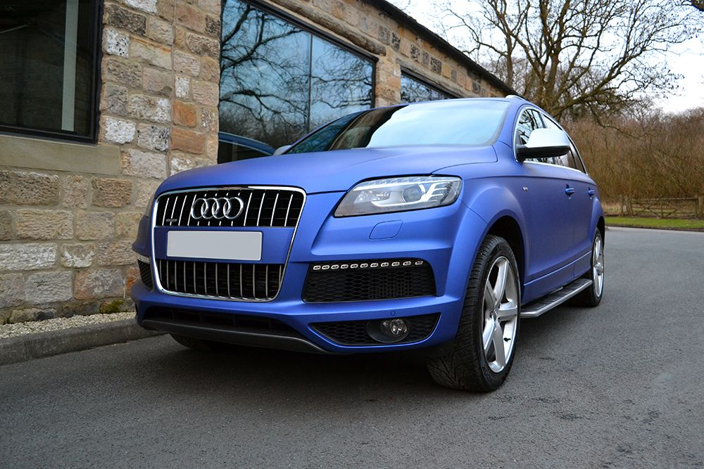 audi q7 wrapped in brilliant blue with silver accented mirror covers wrapped audi q7 4x4. Black Bedroom Furniture Sets. Home Design Ideas