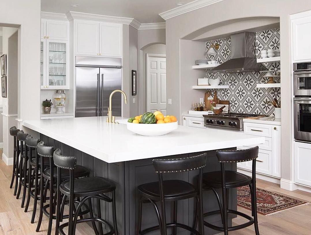 Bedrosians Tile And Stone On Instagram We Love The Combination Of Blacks And Whit Black Kitchen Island Contrasting Kitchen Island Kitchen Island With Seating
