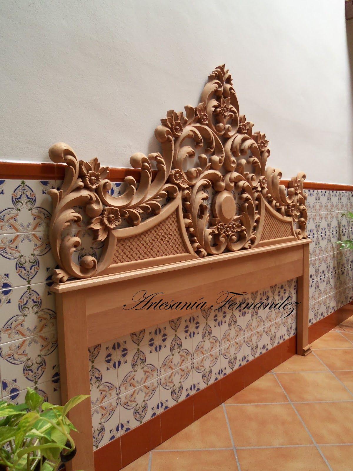El Cabecero Esta Tallado En Madera De Cedro Real Con Unas  # Muebles Tallados A Mano