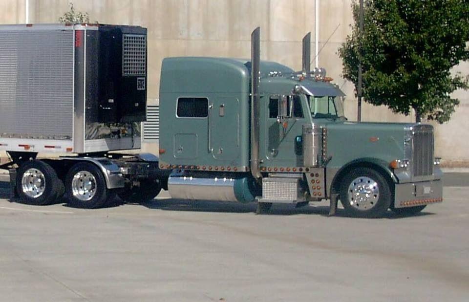 Peterbilt Peterbilt Custom big rigs, Cool trucks