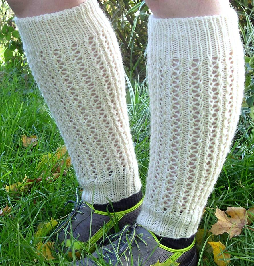 Legwarmers free pattern nsker meg noen som ligner dette crooked lane lace leg warmers a fun easy to memorize lace pattern knits up into a stylish pair of leg warmers i knit them in the round on 2 needles bankloansurffo Gallery