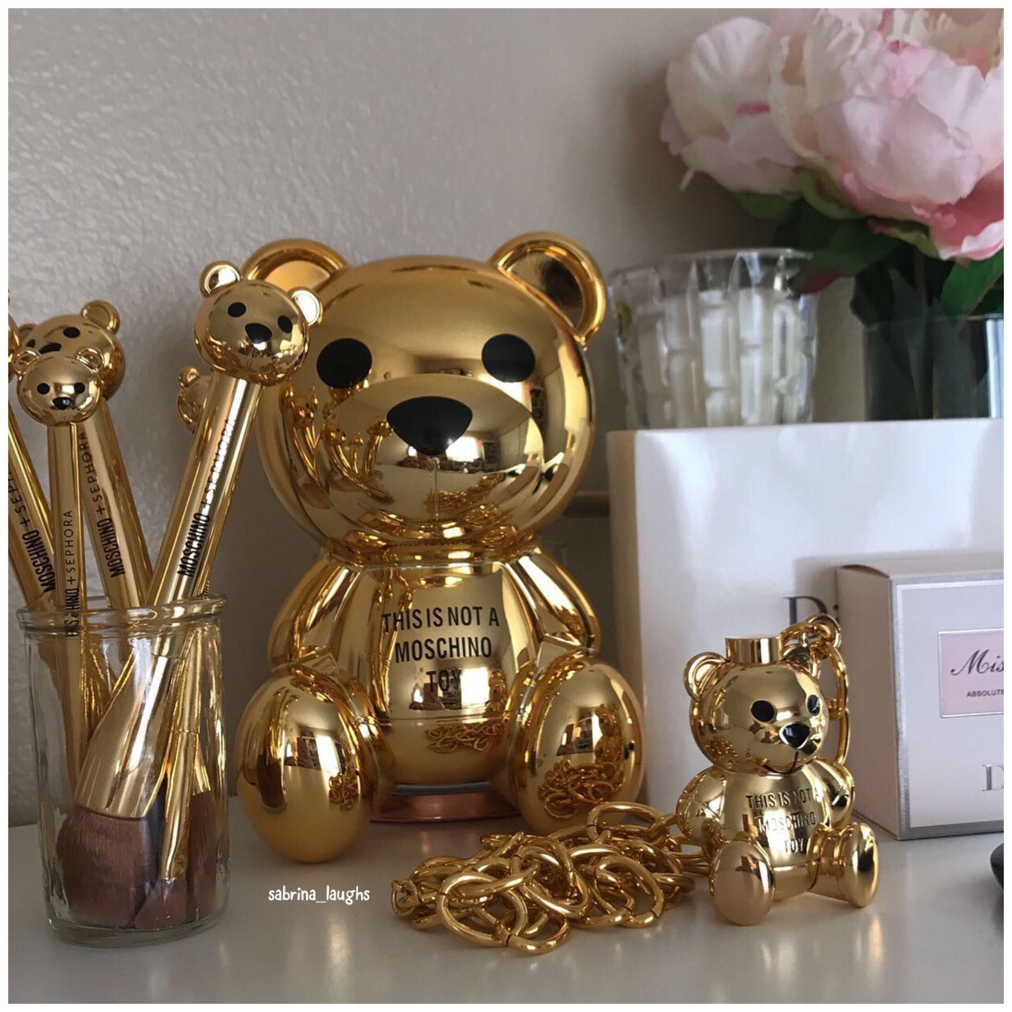 Moschino x Sephora makeup collection. 🐻 golden bear