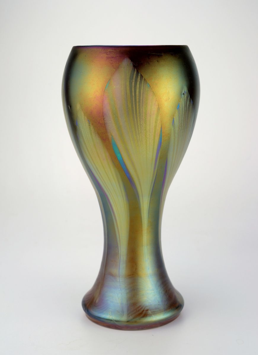 "** Lötz Witwe, Klostermühle, Iridescent glass vase. Decor: ""Phänomen Gre 1448"""