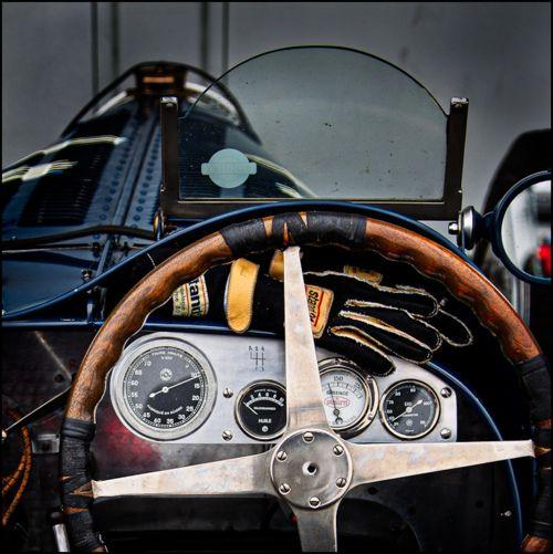 pure formula 1 voitures et motos tableau de bord drapeau damier interieur