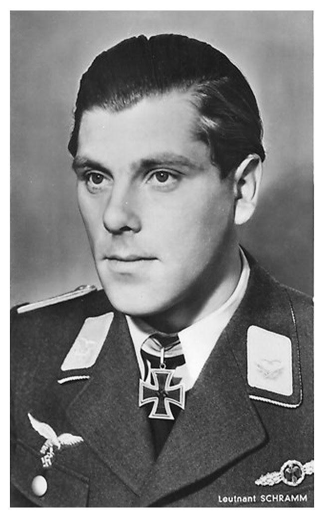 Hoffmann Postcards Knight Cross Holders Series R 101 R 150 En 2020 Con Imagenes Luftwaffe Militar