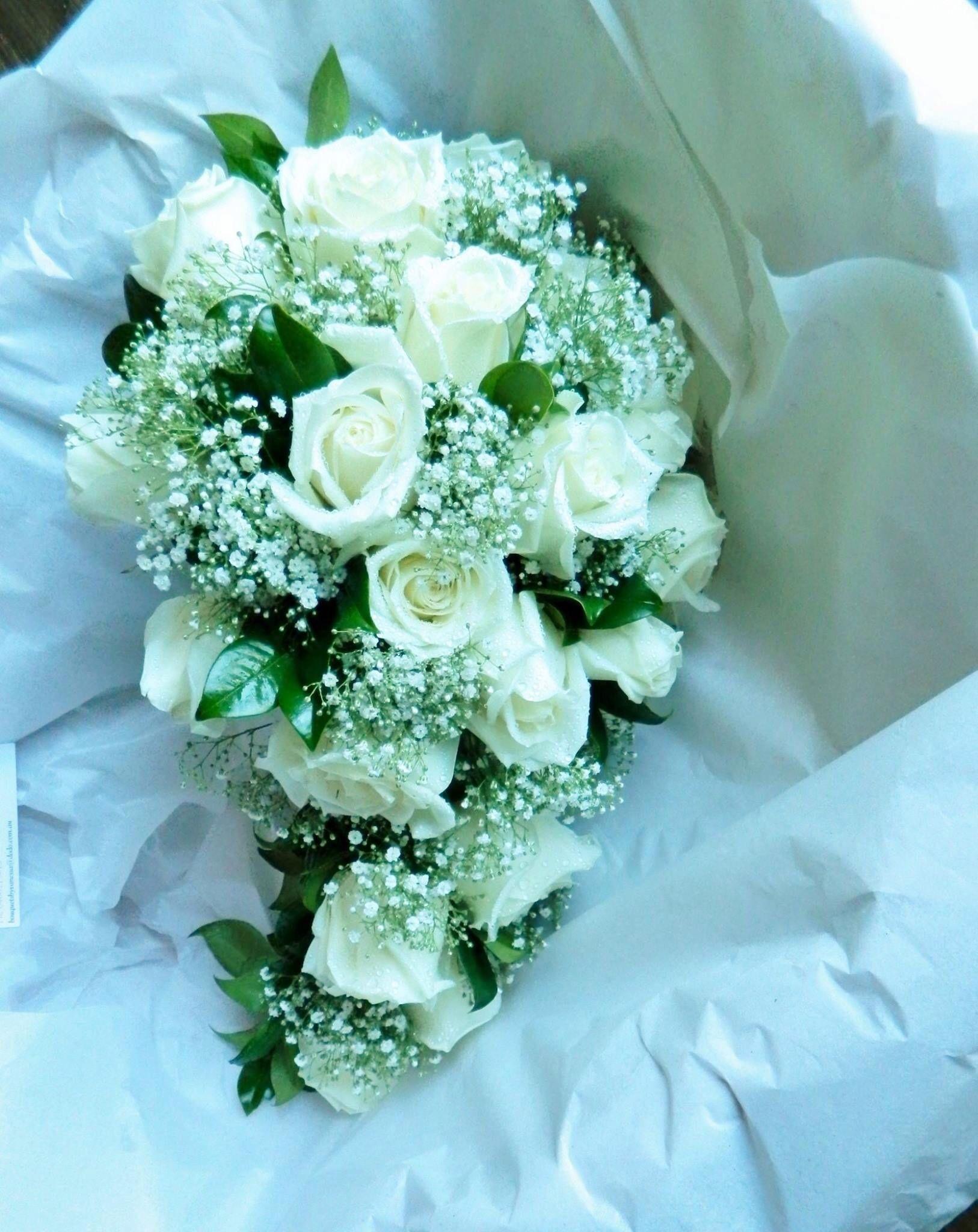 Teardrop bouquet | Cascading and teardrop bouquets | Pinterest ...
