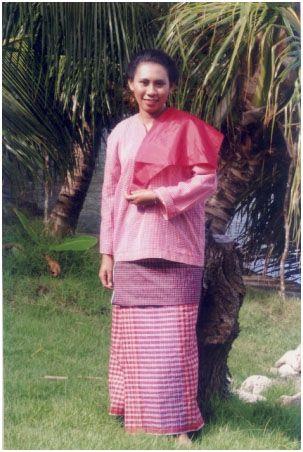 Baju Daerah Maluku
