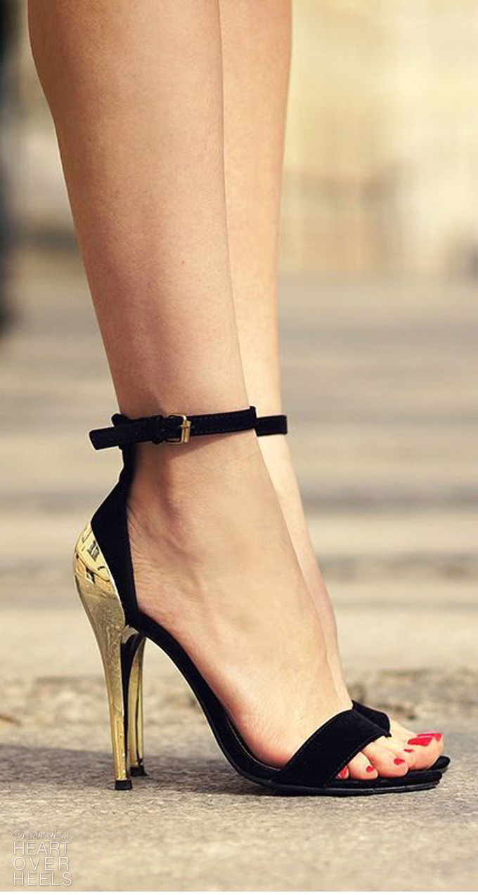 Business LAdy Style – High Heels – Red Black Gold Combination in Fashion