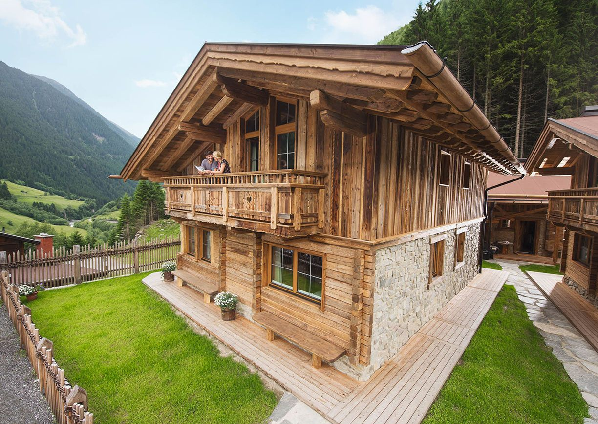 Stubaital neue chalets direkt am gletscher a list for Design hotel stubaital