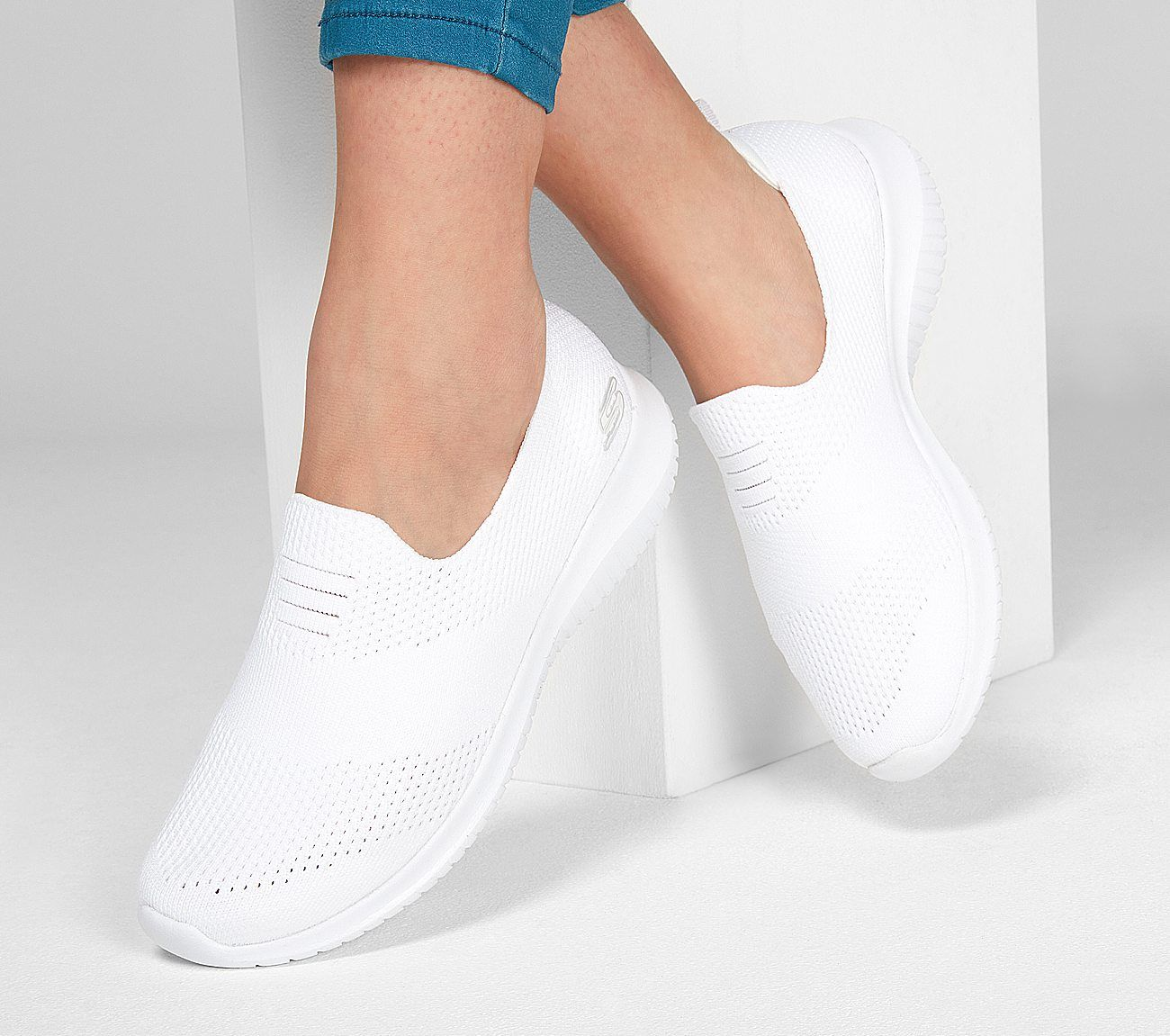 skechers women's ultra flex white