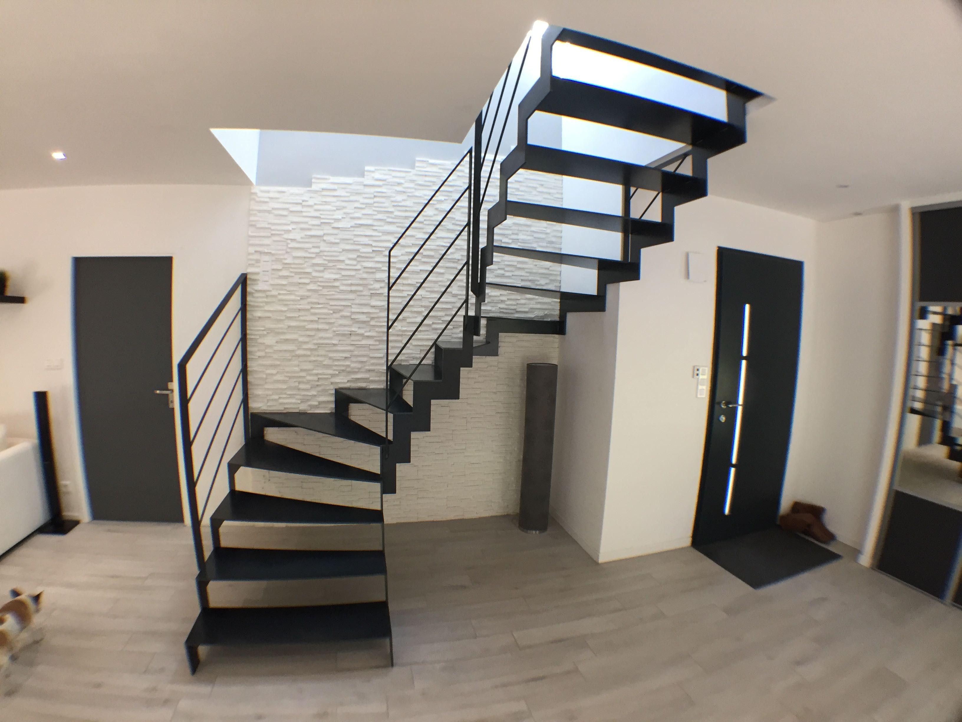 Escalier 2 4 Tournant Tout Metal Acier Brut Cire Escaliers Pinterest