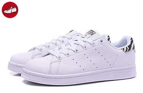 official photos f2cd7 26308 Adidas Stan Smith Sneakers womens (USA 5) (UK 3.5) (EU 36