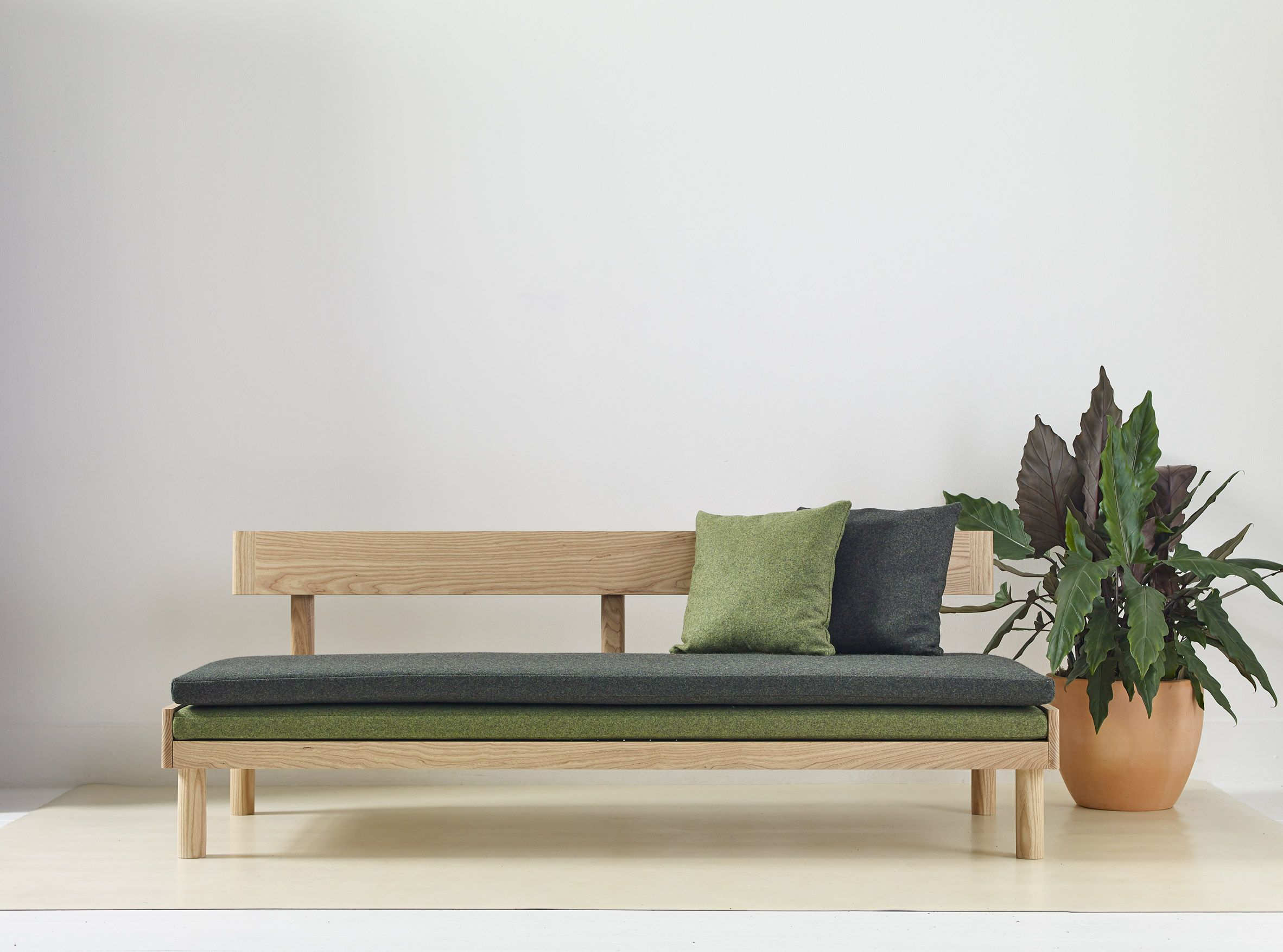 Bettsofa Diy Design For The Natural Home By Another Country And Ekkist Chairs