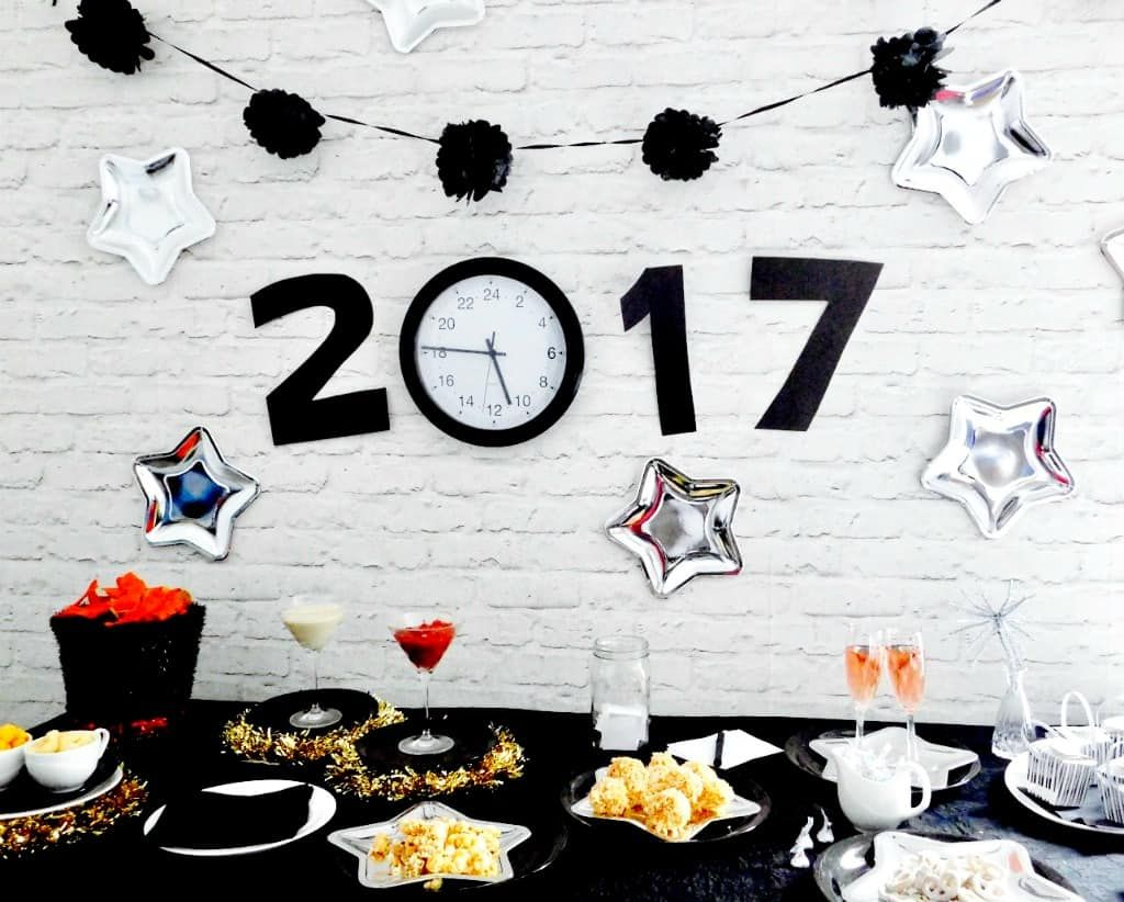 new year's eve party inspo #newyearseve #nye #newyears #party #nyeparty #newyearseveparty #partytutorial #partyinspo #partyplanning #holidayparty