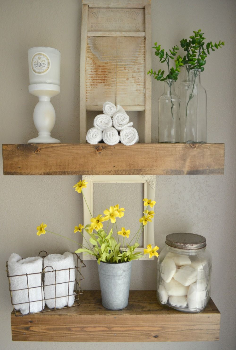 Vintage Farmhouse style bathroommixing vintage and