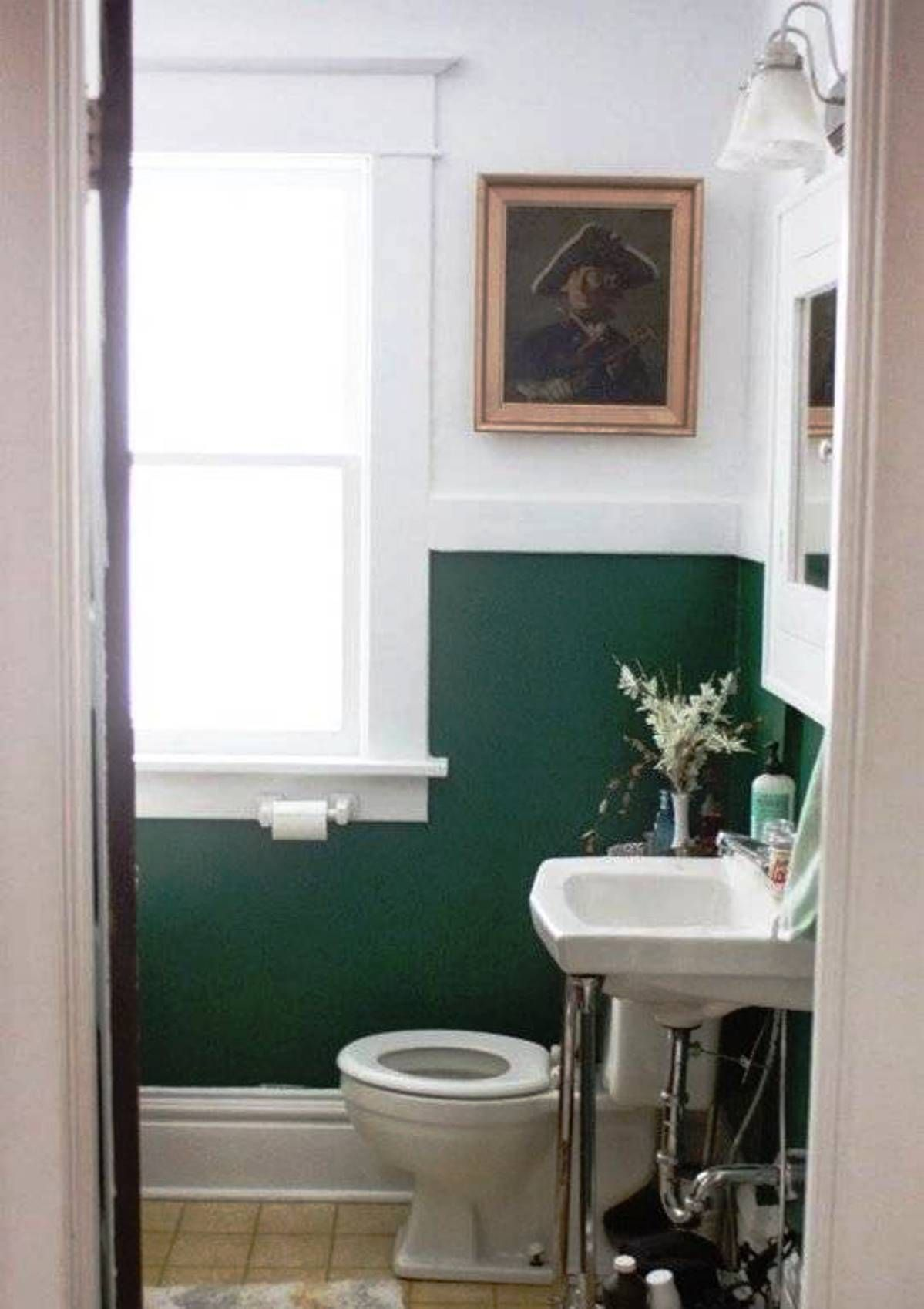 Easy Bathroom Makeover With Forest Green And White Walls And Wall Arts Easy Bathroom Makeover Ide Green Bathroom Decor Green Bathroom Bathroom Decor Pictures