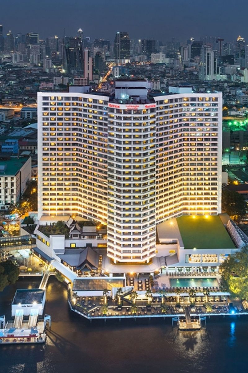 Amazing night view of Royal Orchid Sheraton - Bangkok | Travel To