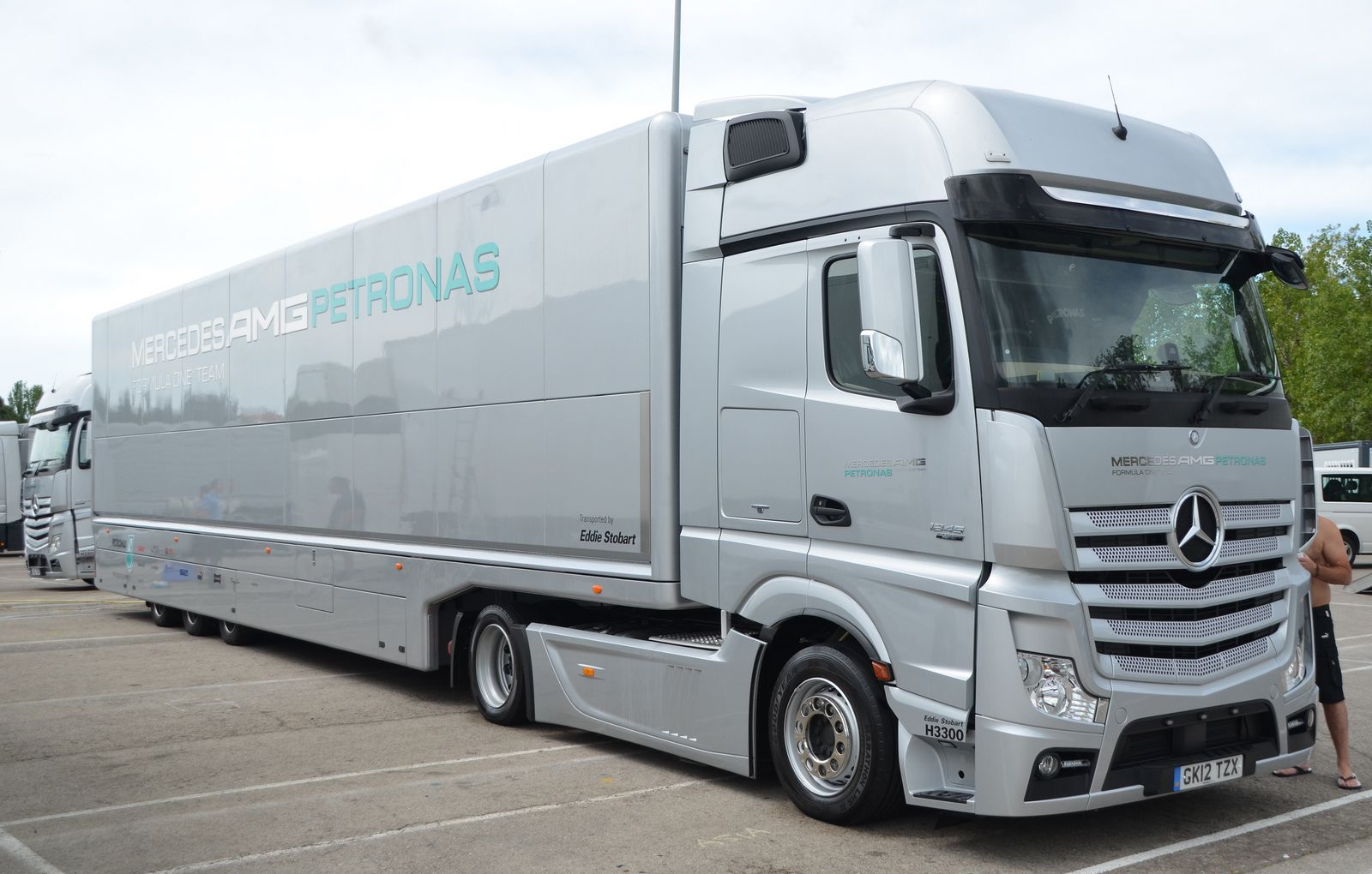 mercedes f1 transporter operated by eddie stobart brummis pinterest mercedes benz. Black Bedroom Furniture Sets. Home Design Ideas