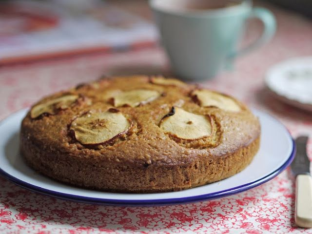 Separate Toasters: Apple, Cinnamon and Almond Layer Cake