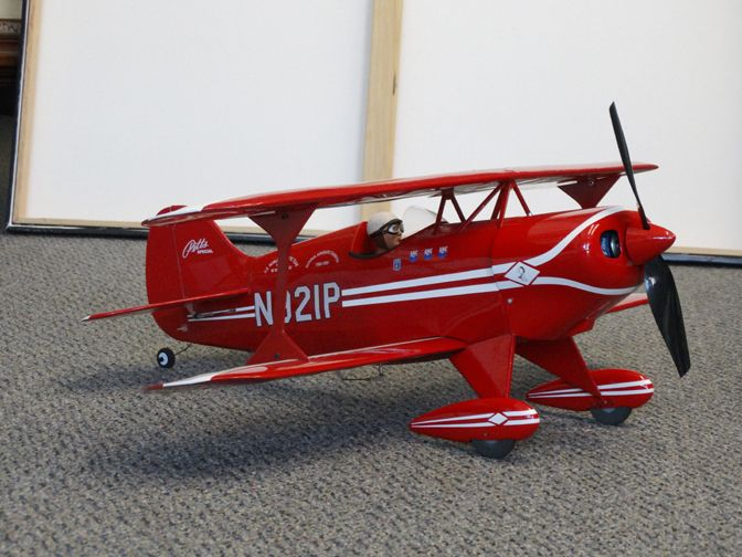 Pitts S1, repainted the cowl and wheel pants, much better