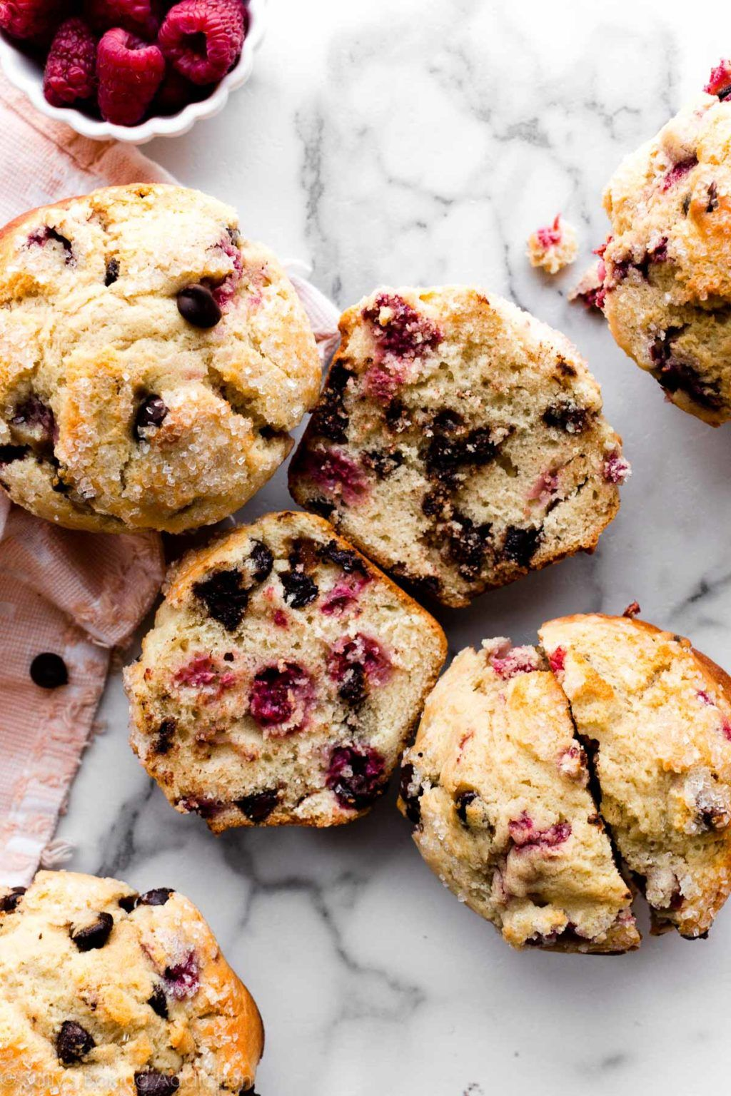 Make These Big Bakery Style Raspberry Chocolate Chip Muffins In A Jumbo Muffin In 2020 Raspberry Chocolate Chip Muffins Raspberry Chocolate Chip Chocolate Chip Muffins