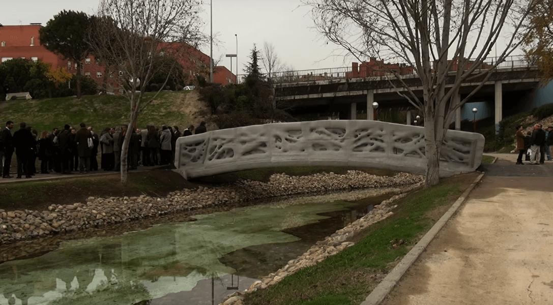 Brücke Aus Dem Drucker In Spanien