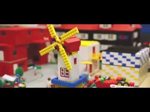 Lego-Stadt 2017 | Cool idea to build a city as a group. Also doable with DUPLO, just a bit simpler.