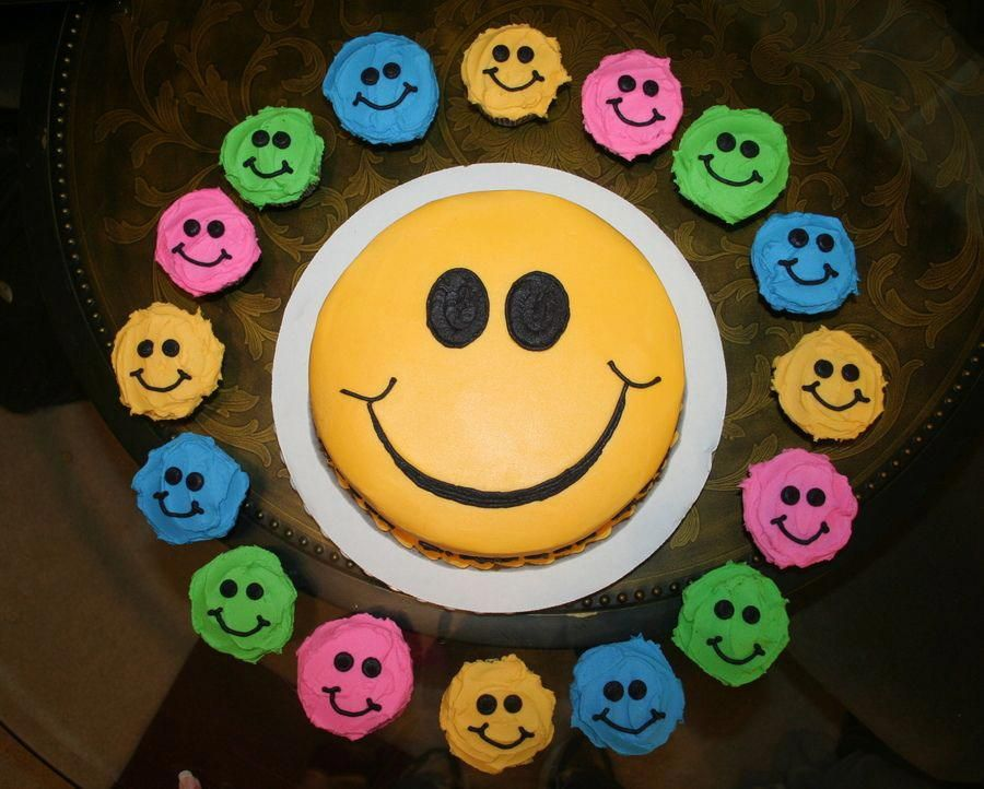 For girls smiley face birthday cake birthday cakes