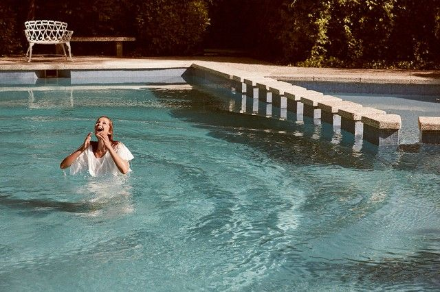 Tirarse a la piscina adriana iglesias rafa gallar el for Tirarse a la piscina