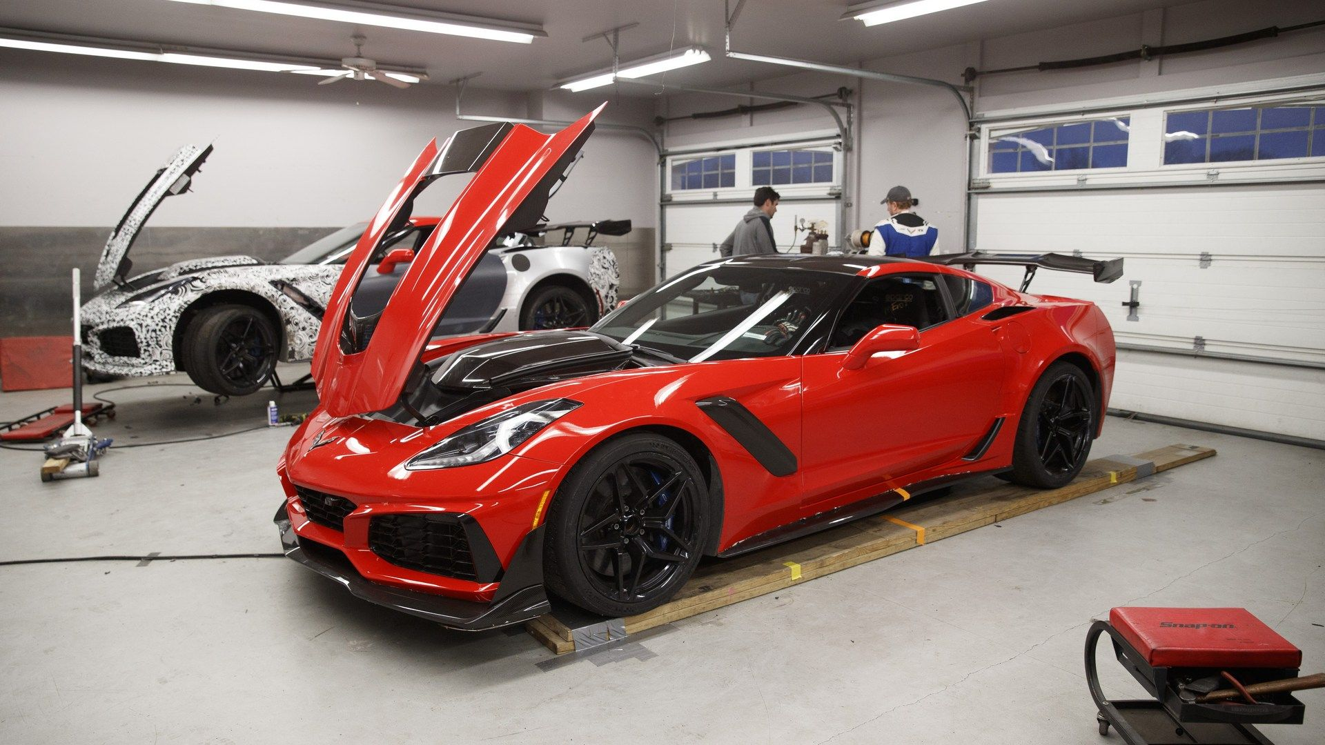 2019 Corvette Zr1 Beats The Ford Gt To Claim New Lap Record At Vir