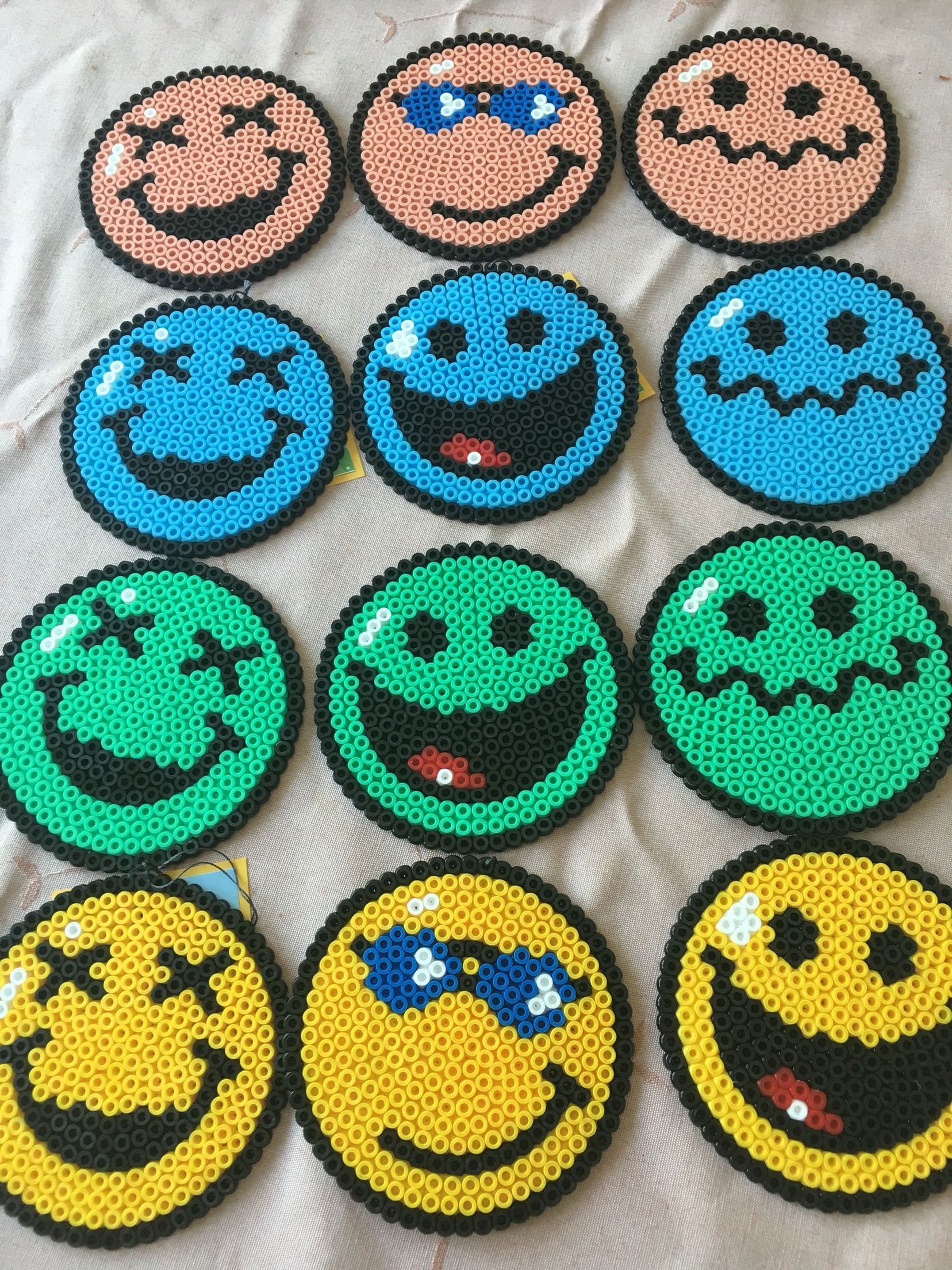 smiley miley 39 s 4th birthday give aways crafty hama. Black Bedroom Furniture Sets. Home Design Ideas