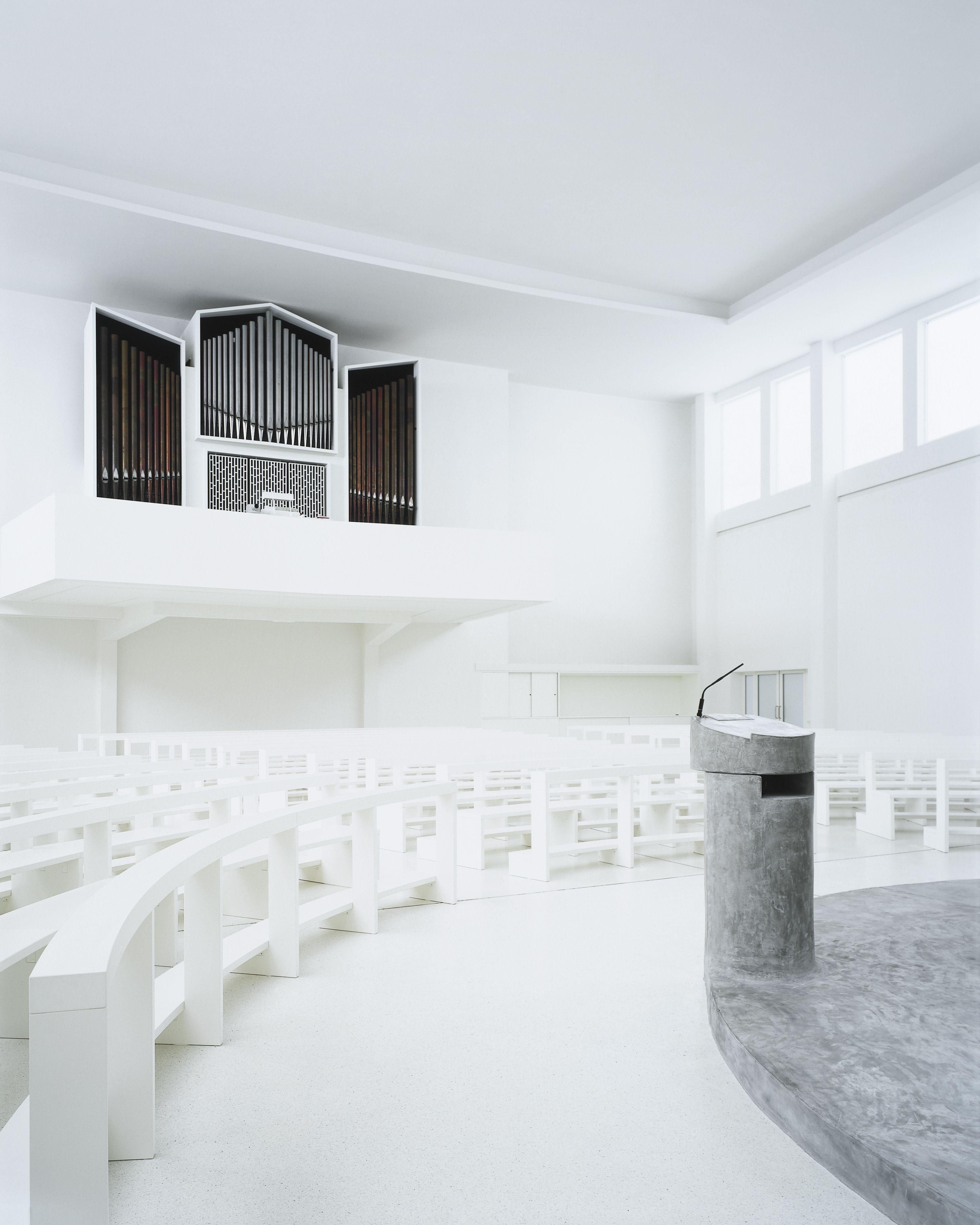 St. Bonifatius, Herbrechtingen, Germany by Kaestle Ocker, Roeder Architekten. Stark white space - purity, heavenly