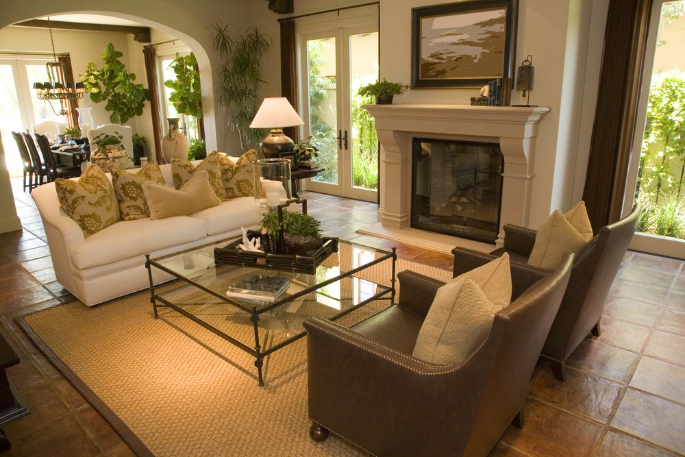 25 Cozy Living Room Tips And Ideas For Small And Big Living Rooms Sophisticated Living Rooms Living Room Warm Living Room Leather #warm #cozy #living #room #colors