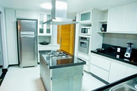 10-cozinhas-com-ilha-projetadas-por-membros-do-casapro (4)