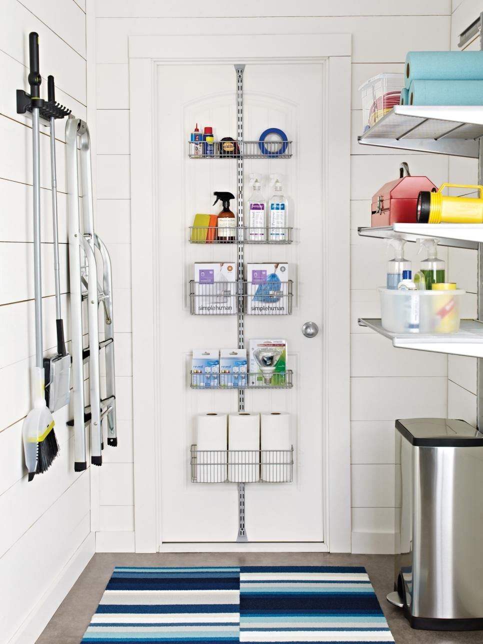 25 Beautifully Organized And Functional Spaces Easy Ideas For Organizing And Cleaning Your Home Hgtv Waschkuche Aufraumen Waschkuchendesign Speicherideen