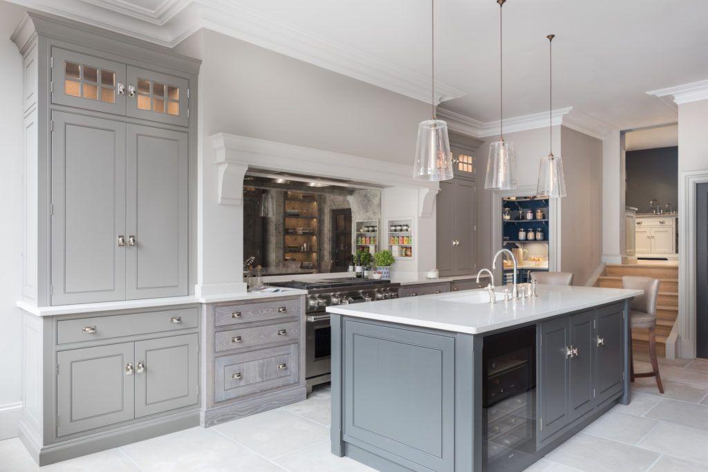 Humphrey Munson Kitchen In Their New St Albans Showroom Spenlow Kitchen Designed By Peter Humphrey V Interior Design Kitchen Kitchen Chimney Kitchen Mantle