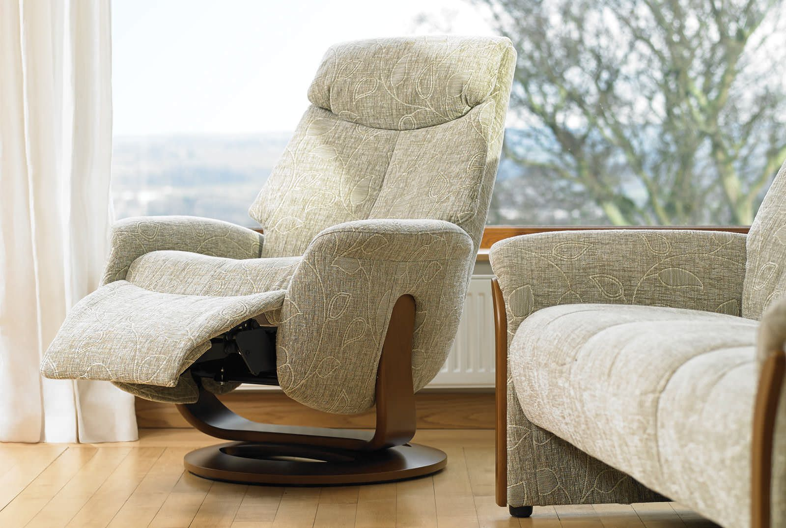 Swivel Reclining Chairs For Living Room Green Colors Walls Appealing Recliner Automated System Home Furniture Ideas Leather Rocker Chair