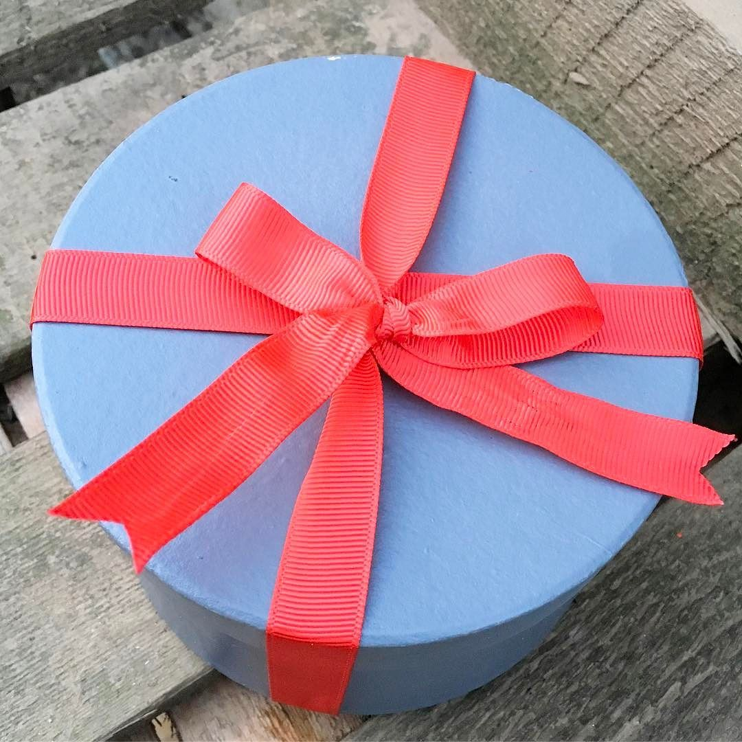 What's in the box?!?! We've been brainstorming and planning today for the next part of the florist triathlon {valentines} at one point it seem to be 50 shade is red . But remember valentines is about telling the people you love just that friends family any one.... not just your other halves  #valentines #valentinesflorist #yorkshireflorist #theflowershopossett #loveosset