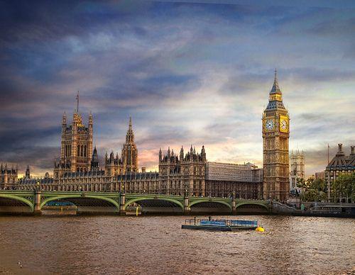 Westminster Bridge, Parliament and Big Ben, London, UK