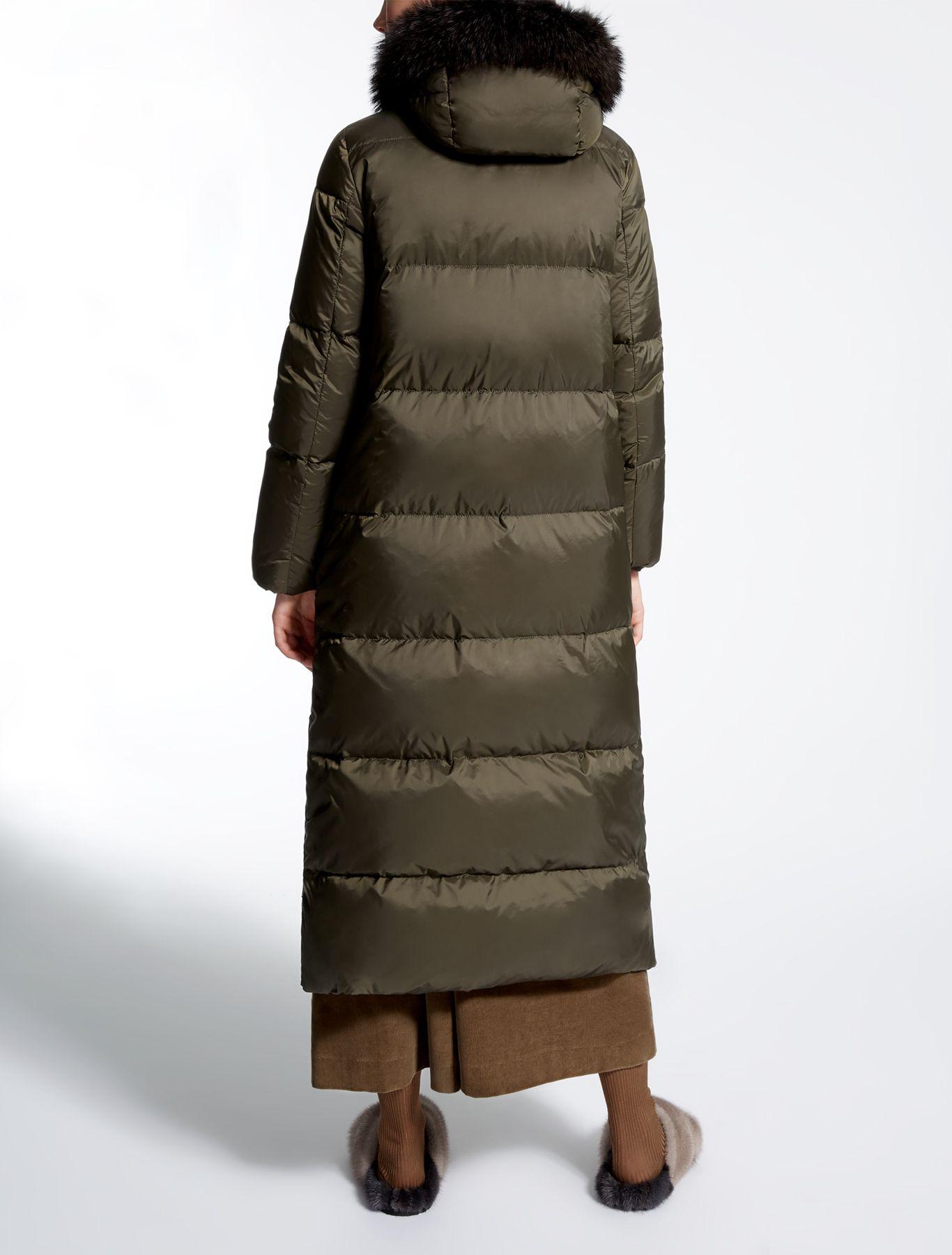 Max Mara Gel Kaki Drop Proof Canvas Down Jacket Puffer Coat Outfit Max Mara Down Jacket [ 1800 x 1366 Pixel ]