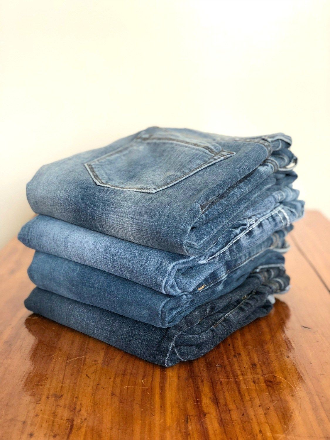 How To Fold Clothes Like A Retail Pro #foldingclothes