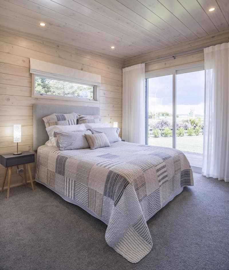 50 Cool Bay Window Decorating Ideas: 50 Ideas For Placing A Bed In Front Of A Window