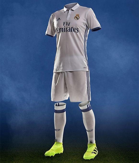 Real Madrid apresentou seu uniforme principal para a temporada 2016 17 3633c948546fb